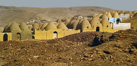 Muslim cemetery at Zawyet el-Maiyitin
