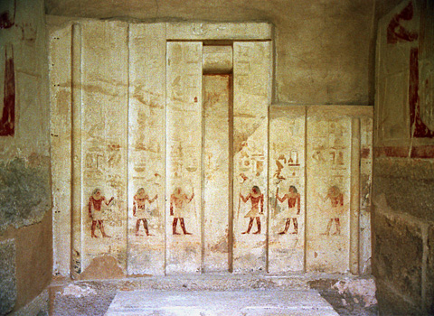 False door in Akhethotepu0027s chapel & Tomb of Akhethotep and Ptahhotep | Egyptian Monuments