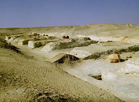 Eight mudbrick mastabas at el-Lahun