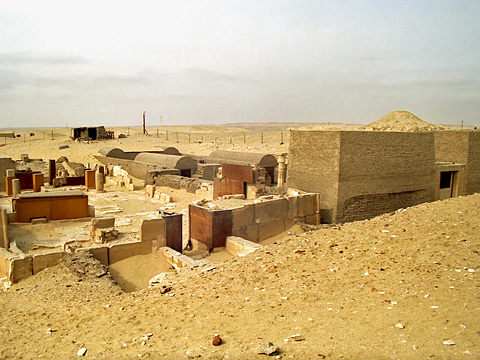 New Kingdom tombs east of the Unas causeway