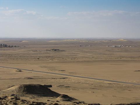 Inhospitable desert view from Dush