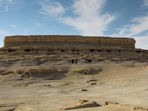 Roman tombs at el-Muzzawaka