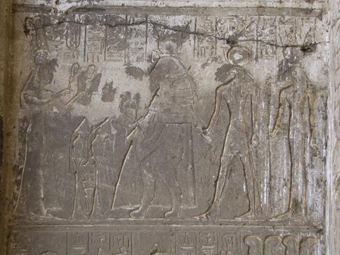 Queen Nefertari before the goddess Tauret